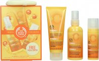 The Body Shop Vitamin C Travel Exclusive Presentset 100ml Energizing Face Spritz + 75ml Microdermabrasion + 30ml Skin Boost + Facial Buffer