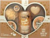 I Love... A Big Box Of Love Vanilla and Almond Presentset 500ml Bubble Bath + 100ml Sugar Scrub + 100ml Body Butter + 10ml Lip Balm + 60g Soap + Sponge